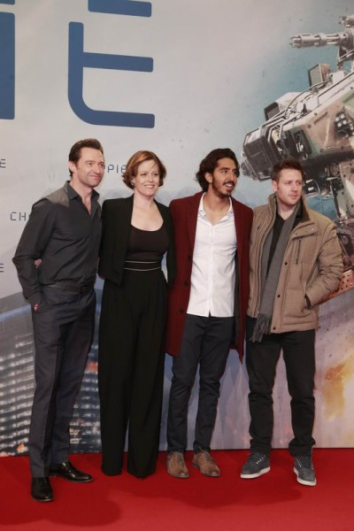 Hugh Jackman, Sigourney Weaver, Dev Patel and Neill Blomkamp | Chappie Fanevent in der Mall of Berlin Gregor Anthes