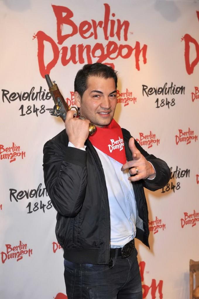 Bülent Sharif  -  Premiere der Show REVOLUTION 1848 im Dungeon in Berlin am 18.03.2015 -  Foto: SuccoMedia / Ralf Succo