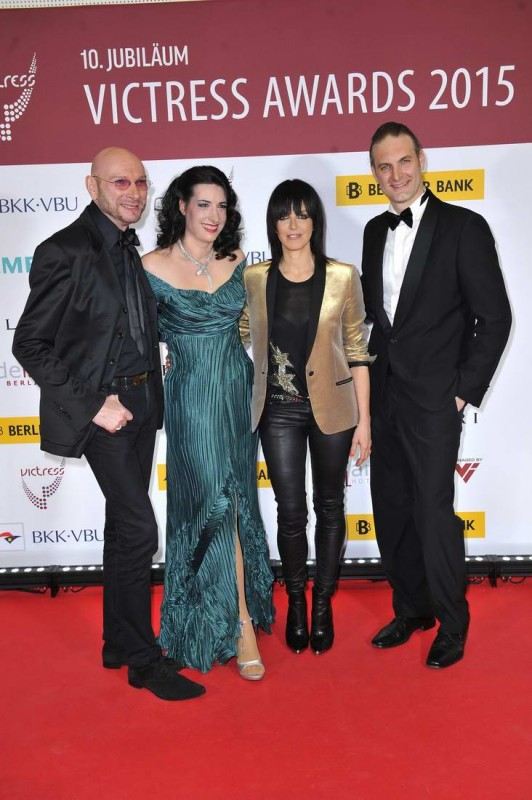 Ralf Morgenstern; Sonja Fusati; Nena; Sandro Fusati  -  10. Jubiläum VICTRESS AWARD GALA  im anderl's hotel  in Berlin  am 13.04.2015 -  Foto: SuccoMedia / Ralf Succo