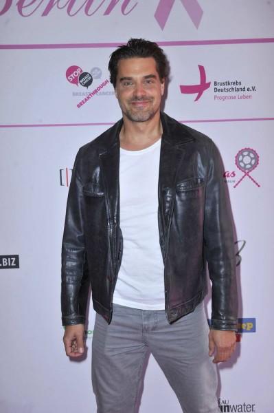 Raphael Vogt Raphael Vogt  -  Pink Ball Charity Event für Brustkrebs-Opfer im Holmes Place  in Berlin  am 23.05.2015 -  Foto: SuccoMedia / Ralf Succo