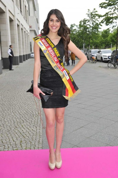 Miss Berlin 2015 Klaudia Kujouharova  Miss Berlin 2015 Klaudia Kujouharova  -  Pink Ball Charity Event für Brustkrebs-Opfer im Holmes Place  in Berlin  am 23.05.2015 -  Foto: SuccoMedia / Ralf Succo