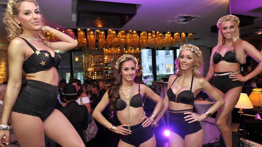 Models Models  -  GLAM NIGHT zur Eröffnung der Agentur GLAM MODELCOACHING  im Restaurant Manon in  Berlin  am 28.05.2015 -  Foto: SuccoMedia / Ralf Succo