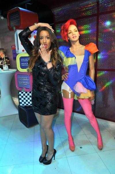 Gabby Rinne mit Rihanna_Figur Gabby Rinne mit Rihanna_Figur  -  Eröffnung  Ausstellung  Starwars @ Madame Tussauds in Berlin  am 11.05.2015 -  Foto: SuccoMedia / Ralf Succo