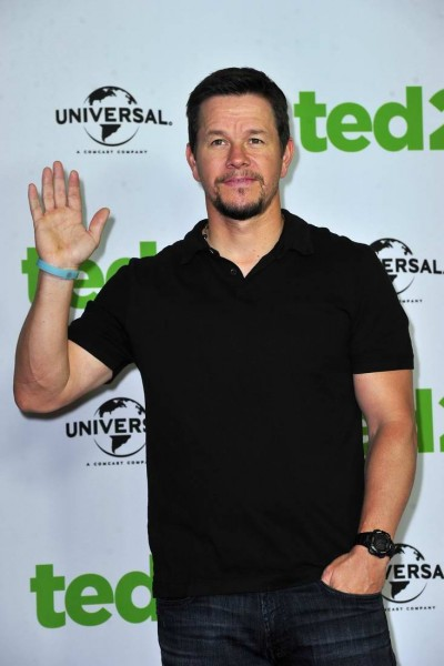 bei Photocall zu TED 2 im Hotel Ritz Carlton  in Berlin  am 09.06.2015 -  Foto: SuccoMedia / Ralf Succo Mark Wahlberg