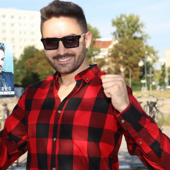 """Menderes - Buchvorstellung """"Never Give Up"""""""
