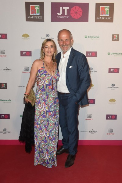 Marrakesch Abend im Pink Garden von JT Touristik in der JT Touristik Villa in Berlin am 07.09.2016 Tina Ruland und Freund Claus G. Oldoerp  Marrakesch Abend im Pink Garden von JT Touristik in der JT Touristik Villa in Berlin am 07.09.2016 Foto: O.Walterscheid