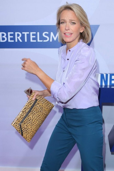 080916BSCHBERTLM001 Julia Jaekel (CEO Gruner + Jahr GmbH & Co KG) in der Bertelsmann Hauptstadtrepraesentanz, Unter den Linden 1, Berlin, bei der Bertelsmann Party, Sommerfest- 08.09.2016 -copyright by Stephan SchrapsBitte beachten Sie unsere Geschaeftsbedingungen. Please refer to my GENERAL TERMS AND CONDITIONS OF DELIVERY AND BUSINESS (AGB s)