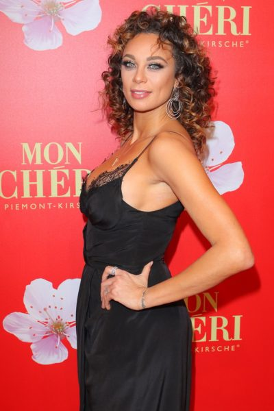 Mon Cherie Barbara Tag 02.12.2016 Lilly Becker (Sharlely geb. Kerssenberg) im Postpalast, Wredestrasse 10, Muenchen, beim Charity Empfang, Charity-Gala zum Mon Cherie Barbara Tag - 02.12.2016 - copyright by Stephan Schraps Bitte beachten Sie unsere Geschaeftsbedingungen. Please refer to my GENERAL TERMS AND CONDITIONS OF DELIVERY AND BUSINESS (AGB s)